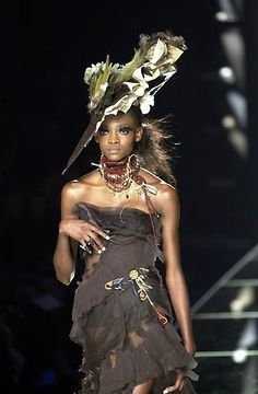 2000 - John Galliano 4 Dior Couture show -