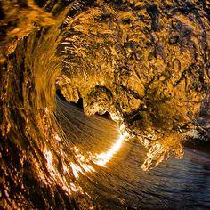 A golden moment on the Irish coast #ireland #wave #surf