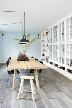 Dining Room Rules: Industrial Dining Room Lighting As The Key Fixture Interior Desing, Interior Inspiration, Interior Architecture, Sweet Home, Industrial Dining, Industrial Lighting, Ideas Para Organizar, Glass Cabinet Doors, Dining Room Lighting