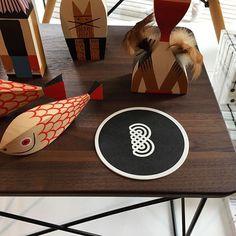 www.brandeau.ch I Brandeau meets Vitra Flagshipstore.  •••  #brandeaubottles #wasser #water #wasserflasche #wassertrinken #wassergenuss #hahnenwasser #stilleswasser #flasche #karaffe #wasserkaraffe #glasflasche #schweizerwasser #tapbottle #tapwater #vitra #woodendolls #motherfish #vitramuseum #weilamrhein #designshop #flagshipstore