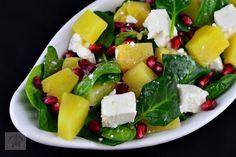Salata cu spanac, ananans si feta - CAIETUL CU RETETE Fruit Salad, Cobb Salad, Feta, Salads, Fruit Salads