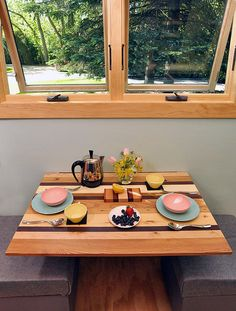toy-box-house | Dining Desk