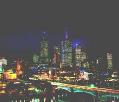 White Night Melbourne – Nacht wird zum Tag  (rf) Die australische Metropole Melbourne verwandelt sich Ende Februar für eine Nacht lang in ein kreatives Lichtermeer. In der Hauptstadt des Bundesstaates Victoria findet am 22. Februar von der ...  Mehr: http://www.reisefernsehen.com/reise-news/reise-news-aus-aller-welt/387115a2c40ba700d-white-night-melbourne-nacht-wird-zum-tag.php