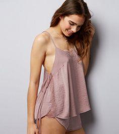 Pyjama en satin rose à détail en dentelle fine   New Look