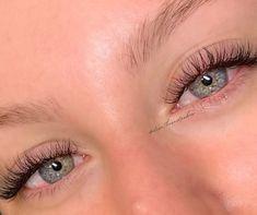 Natural Fake Eyelashes, Perfect Eyelashes, Best Lashes, Fake Lashes, Eyelash Extensions Classic, Individual Eyelash Extensions, Natural Eye Lash Extensions, Makeup Eye Looks, Eyebrows