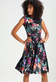 Vêtements Wallis TROPICAL  - Robe en jersey - black noir: 65,00 € chez Zalando (au 25/05/17). Livraison et retours gratuits et service client gratuit au 0800 915 207.