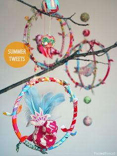 How to make a DIY bird mobile using a cheats paper mache method and fabric scraps. A gorgeous mobile for a kids or baby& room. Bird Mobile, Mobile Art, Mobile Kids, Fabric Birds, Fabric Scraps, Diy Pompon, Diy For Kids, Crafts For Kids, Spearmint Baby