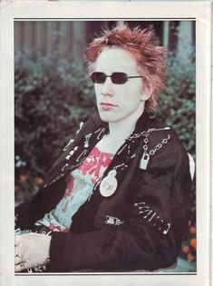 Johnny Rotten, 70s Punk, Punk Goth, Punk Fashion, New Fashion, God Save The Queen, Moda Punk, Acid House, Teddy Boys