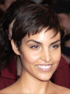#PaulaMiranda, short & chic haircut.  Pixie, gamine.
