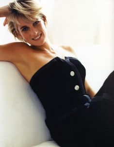 Diana Princess of Wales / Photo by Mario Testino / always beautiful Mario Testino, Kate Middleton, Princess Diana Photos, Prinz William, Diana Fashion, Lady Diana Spencer, Glamour, My Princess, Princess Photo