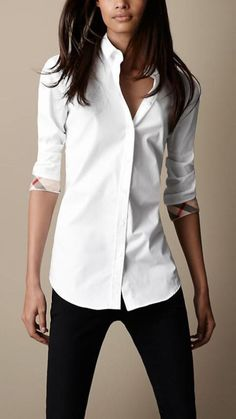 Breathtaking 36 Simple Combination Jeans and Blouse for Women Fashion http://inspinre.com/2018/04/12/36-simple-combination-jeans-and-blouse-for-women-fashion/