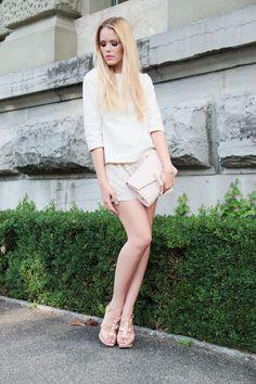 TOP : Zara  / SHORT : Zara / SHOES : Just Anna Shoes / CLUTCH : H/   june
