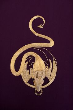 Embroidery Services, Embroidery Ideas, Pearl Embroidery, Hand Embroidery, Goldwork, Chinese Style, Dragons, Sewing Crafts, Needlework