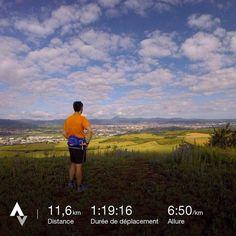 Comment mieux attaquer le dimanche que par une séance #running matinale avec vue sur la Chaine des Puys ! #auvergne #strava #run #runner #fit #instarunner #instarunfrance #instarunners #courseapied #strava #camelbak #kalenjirunning #kalenji #runforfun #runforrestrun