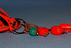 Beads, links, laces, lovely bound forward...