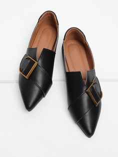 Shop Buckle Front V Cut Detail PU Flats online. SheIn offers Buckle Front V Cut Detail PU Flats & more to fit your fashionable needs. Look Legging, Men Dress, Dress Shoes, Dress Clothes, Flats Outfit, Simple Shoes, Studded Heels, Ballerinas, Me Too Shoes