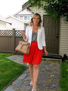 How to wear an orange skirt