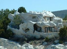 Odd Built Homes | Odd Homes Built of Tires and Trash Lure Environmentalists and me ....