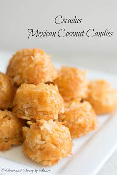 Gummi Worms Market Pantry - Chewy Candy - Ideas of Chewy Candy - Cocadas- Mexican Coconut Candies Candy Ideas of Candy Chewy sweet coconut heaven! These delightful coconut candies are must-have dessert for your Cinco de Mayo party! Köstliche Desserts, Delicious Desserts, Yummy Food, Candy Recipes, Mexican Food Recipes, Drink Recipes, Dinner Recipes, Buffet Party, Cake Candy