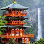 Have you already visited Japan? Be sure to include the country in the list of places to visit in Japan mandatory. Here are the collection of these beautiful places Beautiful Places To Visit, Most Beautiful, Visit Japan, Singapore, Around The Worlds, Mansions, House Styles, Pictures, Photos