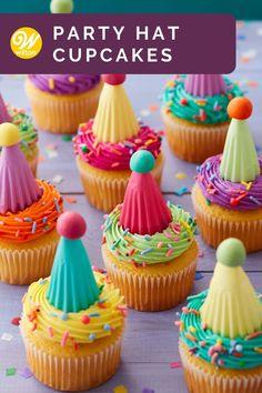 Cake Decorating Kits, Wilton Cake Decorating, Cake Decorating Techniques, Buttercream Decorating, Cupcake Frosting, Baking Cupcakes, Cupcake Cookies, Cupcake Liners, Cake Mix Recipes