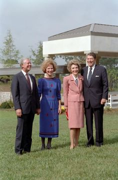 President Ronald Reagan and Nancy Reagan with former president Jimmy Carter and Rosalynn Carter at the Dedication Ceremony of Carter Presidential Library in Atlanta, Georgia. 10/1/86.