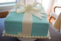 The Baking Sheet: Tiffany Box Cake & Cupcakes!