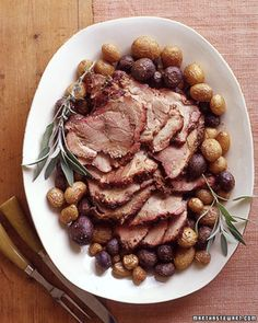 A spice mixture of toasted peppercorns, coriander, garlic, shallots, and sage flavors a pork shoulder that Holiday Roast Recipe, Rib Roast Recipe, Roast Recipes, Bacon Recipes, Potato Recipes, Vegetarian Recipes, Cooking Recipes, Oven Roast, Pork Roast