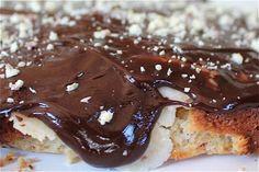 Kuchen mit Marzipan und Schokolade