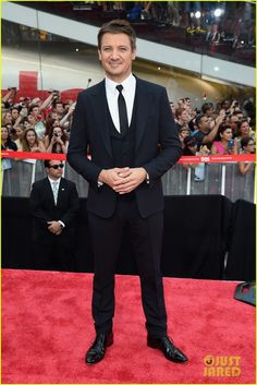 tom cruise jeremy renner mission impossible premiere 17