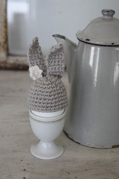 Easter - crocheted easter bunny egg warmer grey with white flower