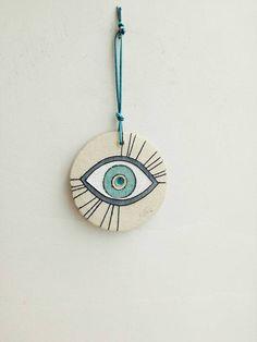 Ceramic eye wall hanging stoneware clay eye in white blue and beige Greek good luck eye blue eye wall hanging boho eye decor Diy Clay, Clay Crafts, White Eyes, Blue Eyes, Air Dry Clay, Stoneware Clay, Clay Projects, Clay Art, Ceramic Art