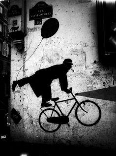Street Art / Graffiti… Stanko Abadžic - Bicycle Art on Wall, 2008 Banksy, Art On Wall, Street Photography, Art Photography, Bicycle Art, Contemporary Photography, Street Art Graffiti, Land Art, Public Art