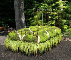 A truly unique 'Garden Bed. Unique Garden, Eco Garden, Recycled Garden, Lush Garden, Jardin Decor, Metal Beds, My Secret Garden, Arte Floral, Flower Beds