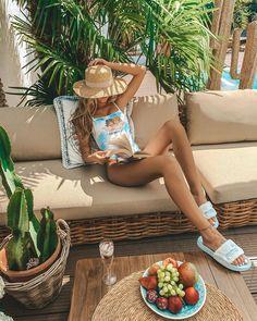 """SIMONA.JULIA 📷 on Instagram: """"*werbung  MY LOVELIE  SUMMER PLACE 😍 📖 🌴 🏊♀️ Hallöchen Ihr Lieben 💛 Ab nächste Woche wird das Wetter wieder so toll und ich chill wieder…"""" Norvell, Paradise Found, Summer Breeze, Happy Sunday, Her Style, Spa, Tropical, Bikini, Instagram"""