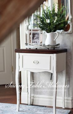 Simple Sewing Table Makeover - Sewing machine table made over from Confessions of a Serial Do-it-Yourselfer - Old Sewing Machine Table, Old Sewing Tables, Antique Sewing Machines, Vintage Sewing Table, Furniture Projects, Furniture Making, Furniture Makeover, Home Furniture, Desk Makeover