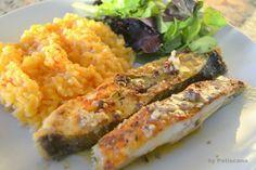 Peixe no forno com tomilho, grãos de mostarda e pimenta rosa
