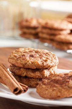 Oatmeal Snickerdoodles – combining dense, chewy oatmeal cookies with all the cinnamon goodness of a snickerdoodle! Cookie Desserts, Just Desserts, Cookie Recipes, Delicious Desserts, Dessert Recipes, Yummy Food, Healthy Food, Healthy Eating, Spice Cookies