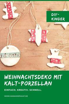 Sucht ihr noch Ideen, was ihr mit Kindern in der Weihnachtszeit basteln könntet? Schöne DIY Weihnachtsbaum-Anhänger aus Kaltporzellan, Natron und Washi-Tape. Eine einfacher Baumschmuck, den ihr entspannt mit euren Kindern basteln könnt. #weihnachten #christbaumschmuck #kinder # Weihnachtszeit #bastelideen #adventszeit