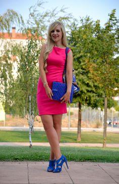 Working girl: fuchsia fun Fashion Beauty, Street Style, Style Inspiration, Cool Stuff, Sexy, Fun, Outfits, Dresses, Fuchsia Dress