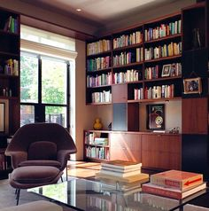 Saarinen Womb Chair With Ottoman Seems An Ideal Fit For The Home Library