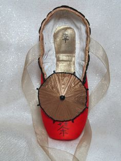 Decorated pointe shoe Nutcracker Chinese Tea by DesignsEnPointe