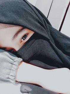Hijab Gown, Hijab Niqab, Hijab Chic, Anime Muslim, Muslim Hijab, Arab Girls Hijab, Muslim Girls, Hijabi Girl, Girl Hijab