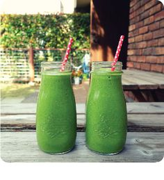 If you've had an indulgent holiday season and it has affected your skin — look no further than the pantry to make a truly cleansing green drink that will help flush out toxins from your body...