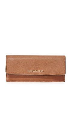 44ebb2f02 MICHAEL MICHAEL KORS Jet Set Flat Wallet. #michaelmichaelkors #wallet  Mochilas Mujer, Billeteras