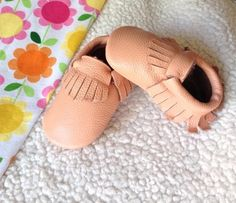 A Light Pink Fringe Leather Moccasins shoes,  Baby Gift, Infant, Toddler shoes by EppyLittle on Etsy https://www.etsy.com/listing/234015447/a-light-pink-fringe-leather-moccasins