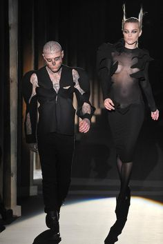Everybody's Talking About: Zombie Boy Rick Genest on the Catwalk Hair, Rick Genest, Bone cut-out suit Dolly Fashion, Fashion Couple, Men's Fashion, Fashion Jewelry, Catwalk Hair, Rick Genest, Kids Clothes Sale, Kids Clothing, Halloween Inspo