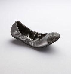 Love the glittered toe...