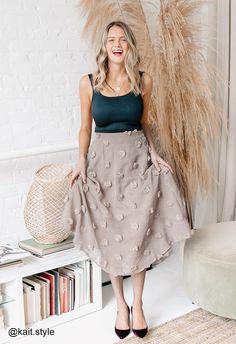 Prince Charles Wedding, Sheer Maxi Dress, 3d Mesh, Cute Girl Dresses, Flower Skirt, Fashion Fabric, Unique Fashion, Vintage Looks, Midi Skirt