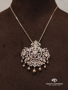 Presenting you a contemporary and finely designed pendant with chain Inspired by the magnificent Allium flower. Now it's your time to bloom like a flower for every special occasion there is! 27 June 2019